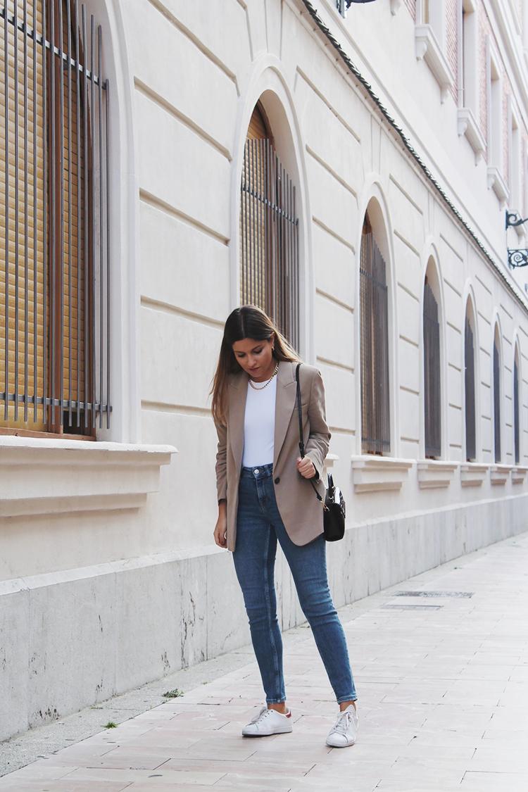 beige blazer zara look blog de moda