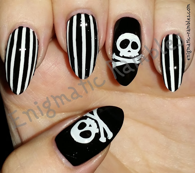 Halloween-Nail-Art-Nails-Skull-Skulls-Black-and-White-Stamping-QA5