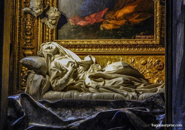 """Êxtase da Beata Ludovica Albertoni"", escultura de Bernini na igreja de San Francesco a Ripa, no Trastevere, Roma"