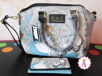 Женские аксессуары (сумка, кошелек) фирмы Loungefly (Disney)