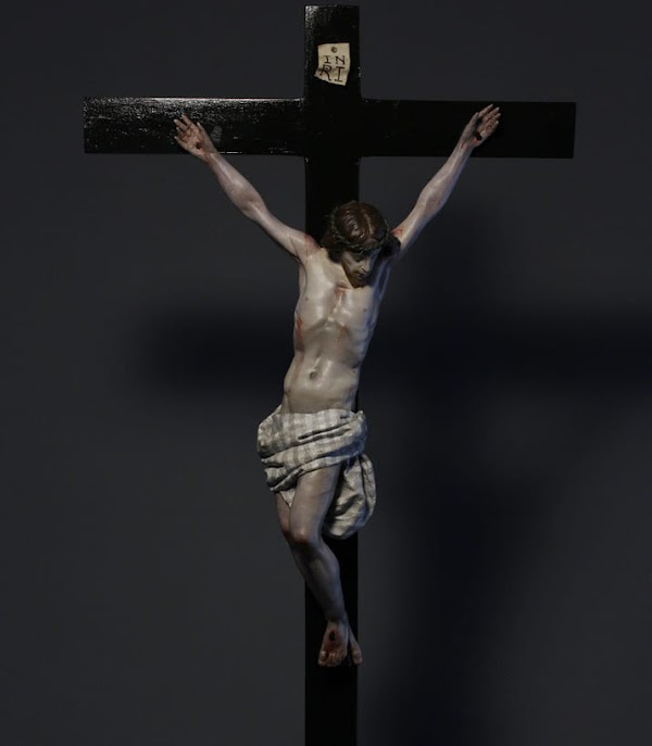 La Hermandad del Carmen presenta un Crucificado para mesa de Abraham Ceada