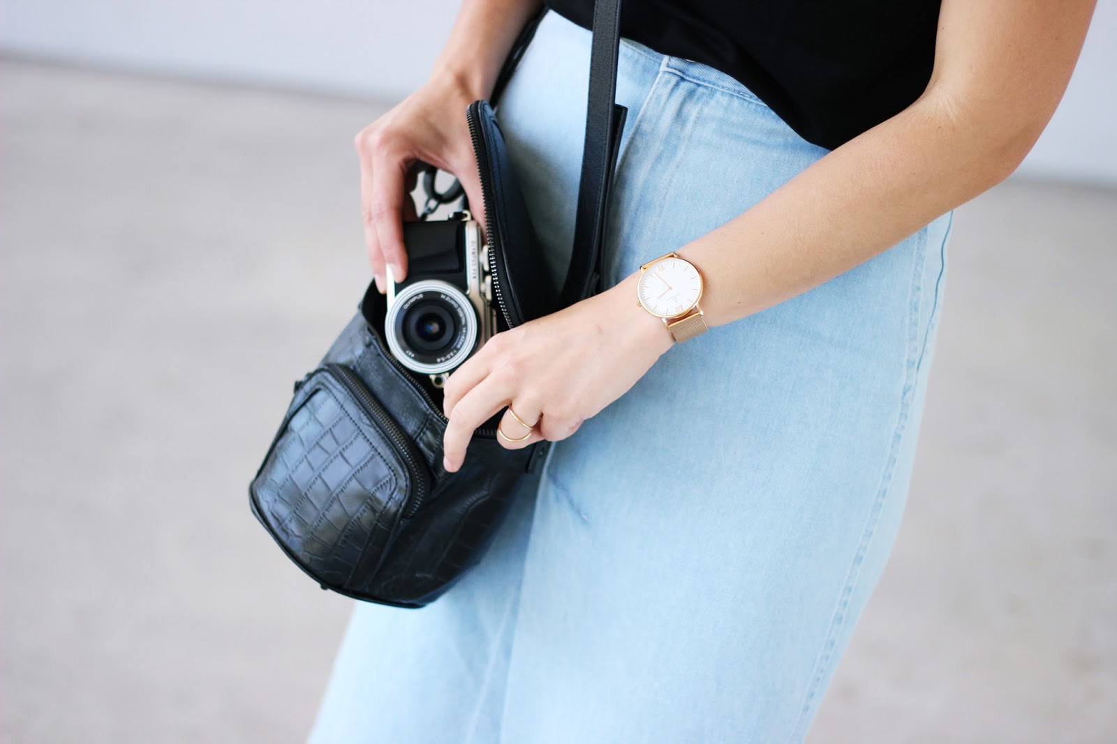LONG DENIM SKIRT STRAP SANDALS OLYMPUS PEN EPL7