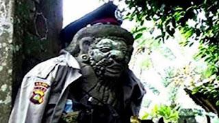 Cerita Patung Polisi di Pura Dalem Belega Gianyar