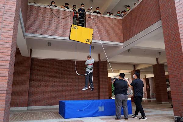 大葉大學防火管理人訓練課程開訓 學員實務演練設備操作