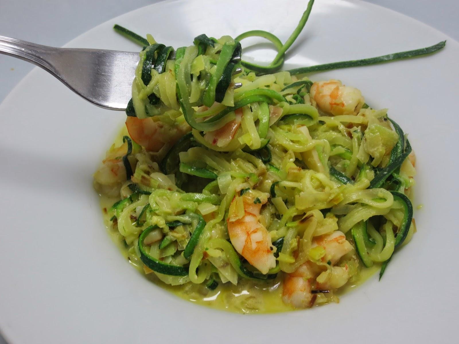 Espaguetis de calabacín con puerro y langostinos olla GM