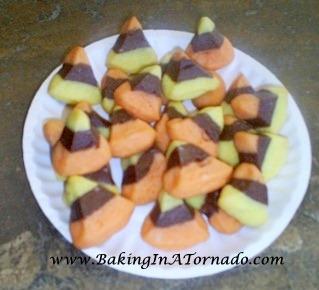 Candy Corn Poppers  | www.BakingInATornado.com