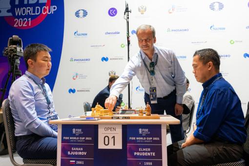 Le président de la Fédération Internationale des Echecs, Arkady Dvorkovich a donné le 11 juillet 2021 le coup d'envoi de la Coupe du monde d'échecs - Photo © Anastasia Korolkova