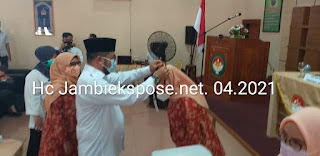 Sekda Provinsi Jambi Secara Resmi Membuka Bintek Penataan Ruangan Konsultasi Pencegahan Penyimpangan Anggota DWP.