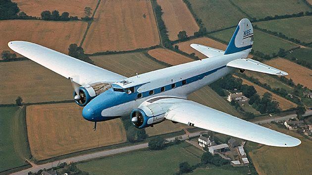 Pesawat Penumpang Komersil Pertama Di Dunia