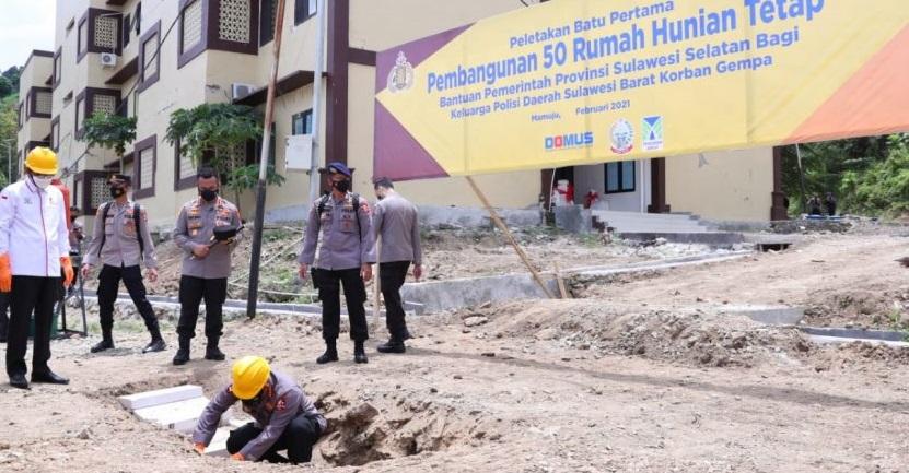 Gubernur Sulsel Resmikan Pembangunan Rumah Polisi Korban Gempa di Sulbar