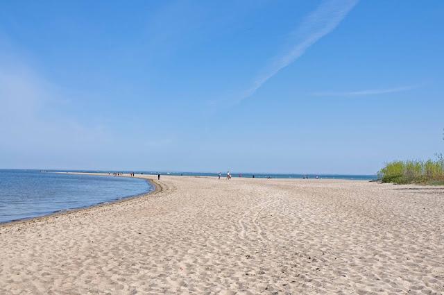 mierzeja piasku w Rewie, jak wygląda plaża