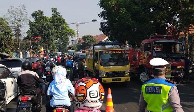 Kebakaran Landa Rumah di Belakang SMA 24 Bandung