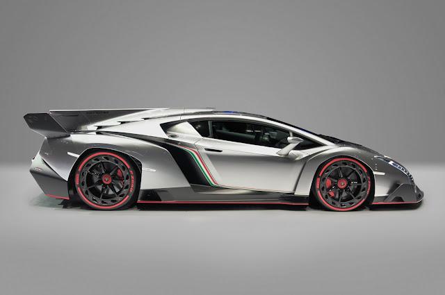 Mobil Lamborghini ini sangat mahal. Kemewahannya menawarkan keindahan.
