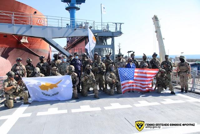 Κοινή Άσκηση της ΜΥΚ Εθνικής Φρουράς με Αμερικανούς Navy SEALS (ΦΩΤΟ)