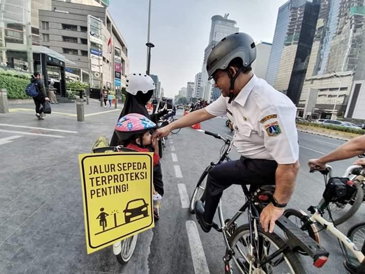 Jalur Sepeda dan Tantangan Anies