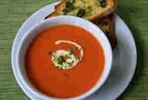 شوربه الطماطم بالكريمه
