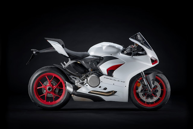 New Livery for the Ducati Panigale V2 Motorcycle