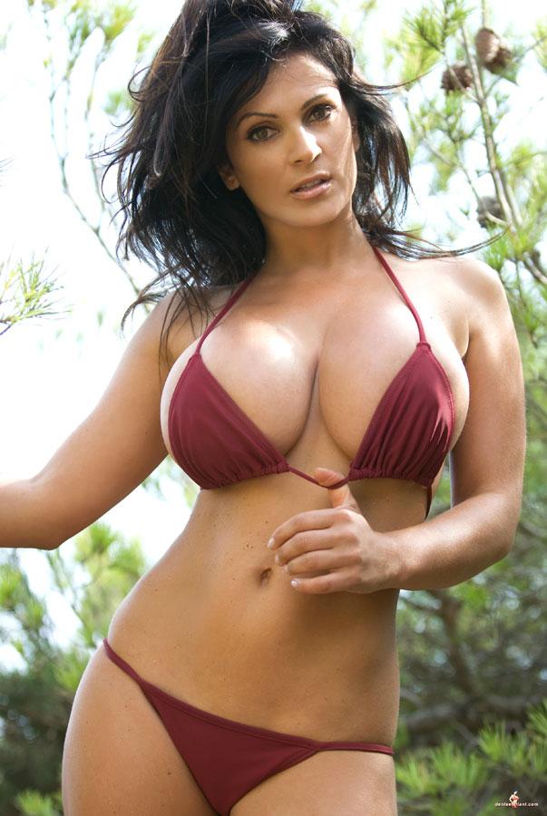 Big tits milfs, huge boobs, booby moms