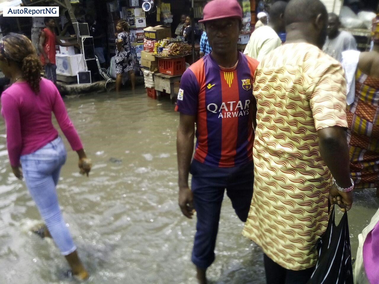 Flooded Jankara Market In Lagos Where Traders, Residents Wear Rain Boots To Work 6