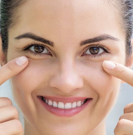 Find Out Ways To Massage Away Under Eye Wrinkles And Bags Using Face Gymnastics