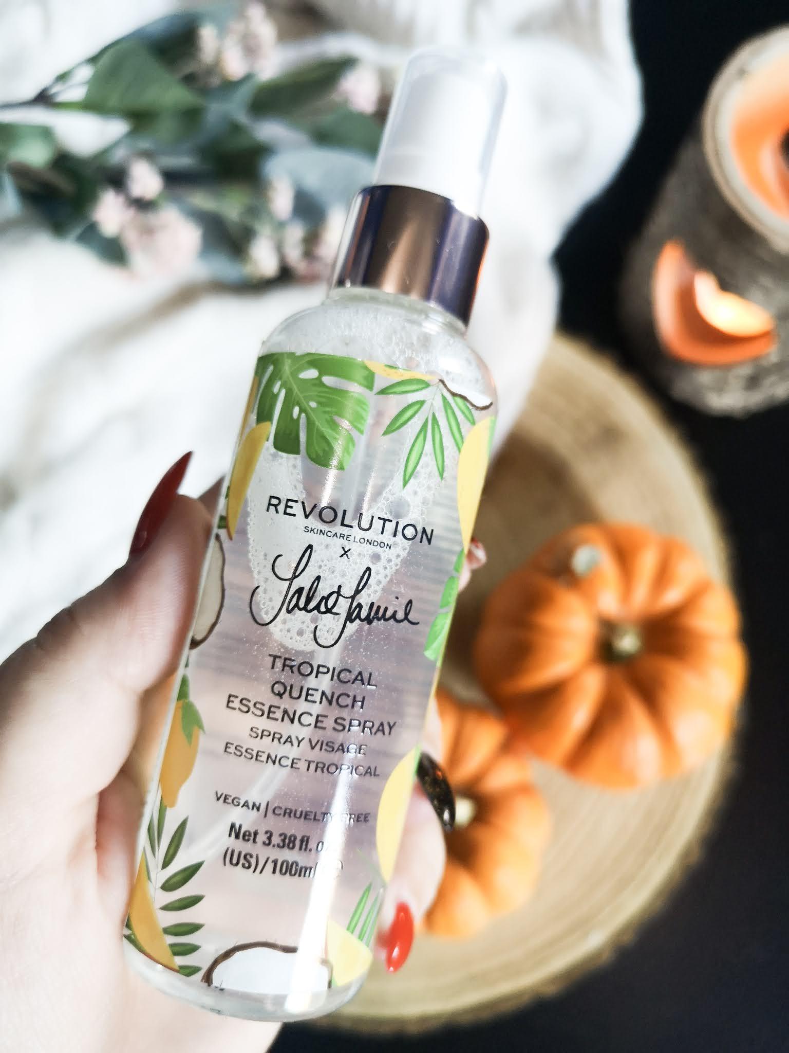Spray facial Tropical Essence de Revolution Skincare