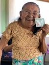 Aos 111 anos, moradora de Cumaru recebe, em casa, Carteira de Identidade