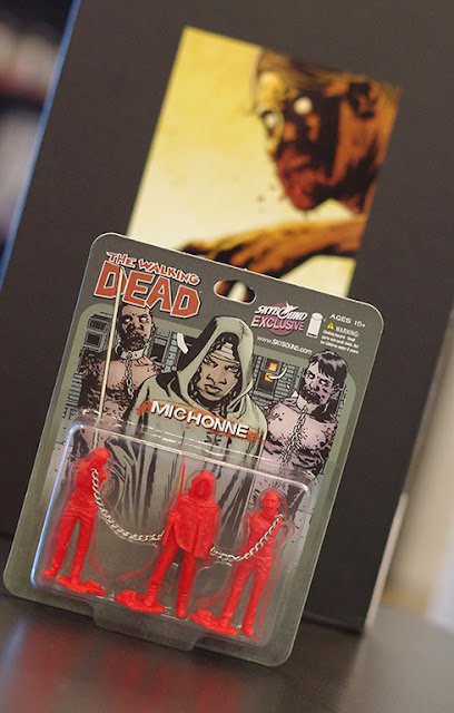 WonderCon 2013 Exclusive Red The Walking Dead Michonne and Pets PVC Figure Set