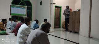 Usai Sholat Tarawih, Kapolsek Curio Syiar Ramadhan Di Mesjid Al Ikhlas Desa Sumbang