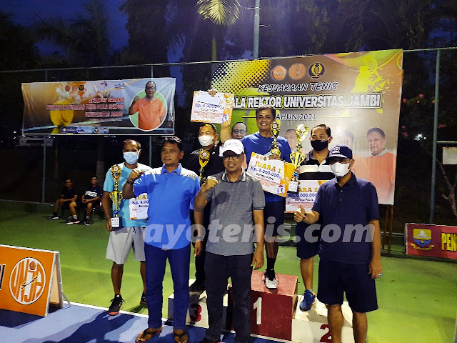 """Inilah Para Juara Kejuaraan Tenis """"Piala Rektor Universitas Jambi Tahun 2021"""