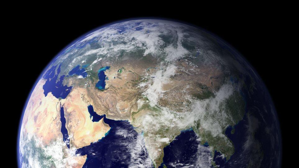 «Χαλάει» η πυξίδα της γης: Ο μαγνητικός Βορράς μετακινείται με 50 χιλιόμετρα το χρόνο