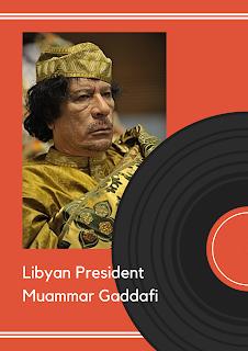 Presiden Libya Muammar Khadafi diseret dari gorong-gorong air
