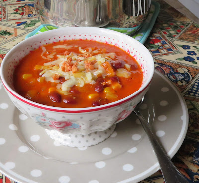 Hearty Tomato & Bean Soup