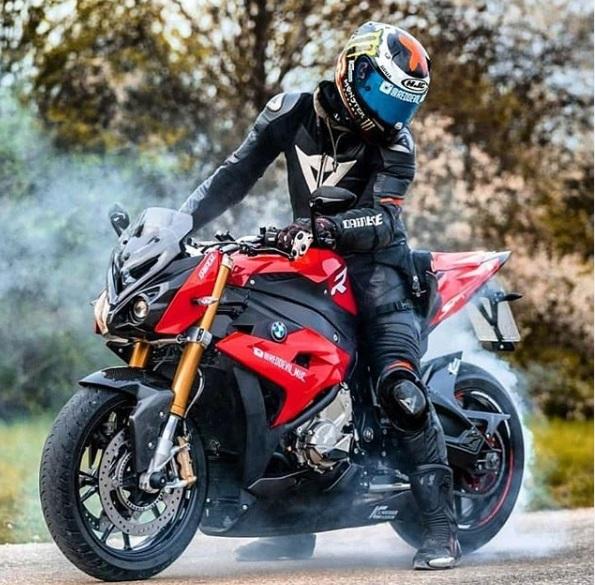 Fitur Motor BMW S 1000 R