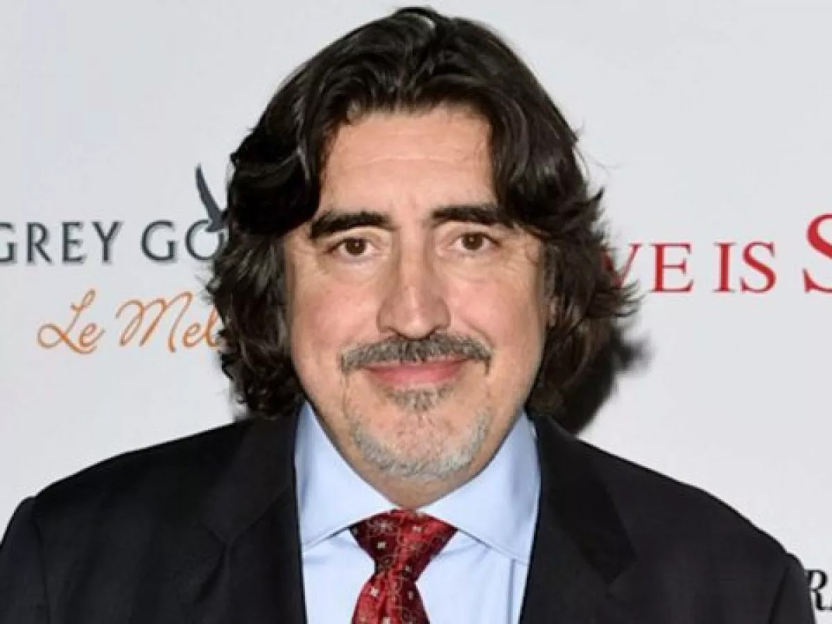 Alfred Molina Handsome Picture