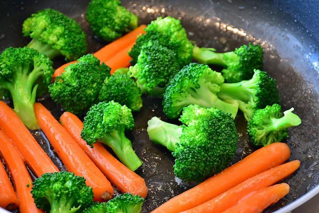 Sayur Brokoli merupakan Makanan sumber protein tinggi nabati