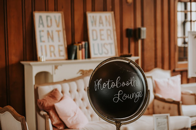 Wedding Photobooth Lounge