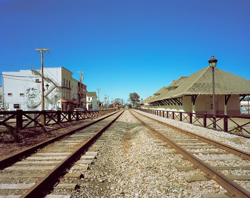 Riverside Railroad on PORTRA 160 Large Format Film