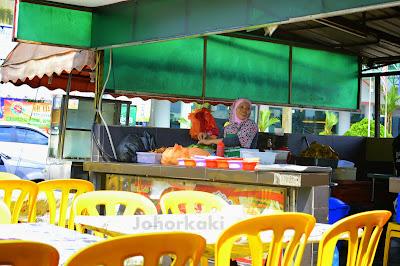 Johor-Ayam-Penyet- Banafee-Cafe