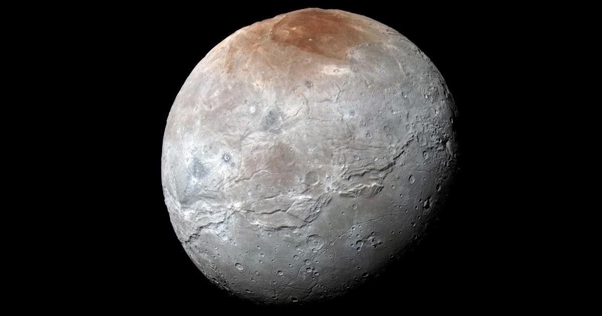 """Il caso della luna """"paonazza"""" di Plutone"""