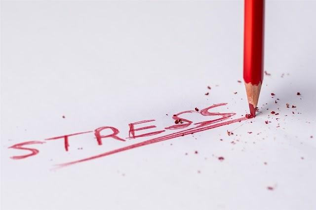 Γιατί το άγχος και το στρες μας παχαίνουν