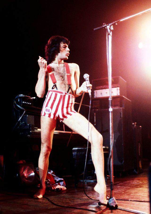 Freddie Mercury Rollstuhl