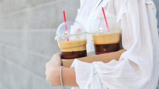 Έρχεται χαράτσι στον καφέ σε πλαστικό - Ο πελάτης θα μπορεί να χρησιμοποιεί το δικό του ποτήρι