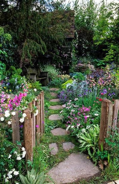 My Enchanting Cottage Garden: 10 Fool-Proof Landscaping Ideas on Cottage Yard Ideas id=91658