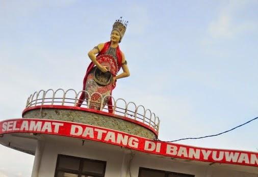 patung gandrung selamat datang di banyuwangi