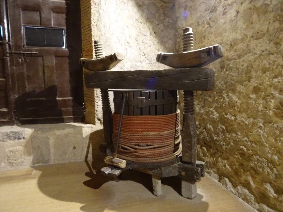Herramientas en el Museo del Vino, Monasterio de Piedra
