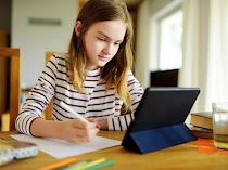 Tips Agar Mata Anak Tetap Sehat Selama Belajar Online