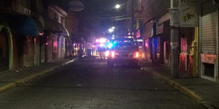 Comando armado ejecuta a cuatro personas en el centro de Tepic