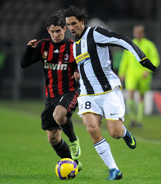 Big Match Ac Milan Vs Juventus Scudetto Battle The