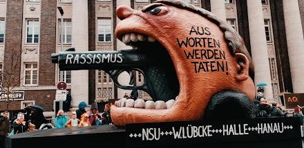 So war mein Rosenmontag 2020 in Düsseldorf | Karneval Fotoserie