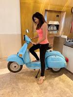 Actress Anjali Glam Stills HeyAndhra.com